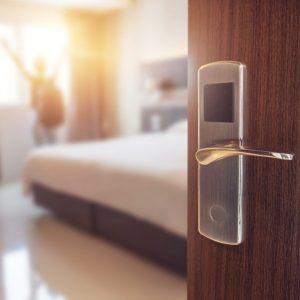 あなたのマンションは民泊OKですか? 重要事項説明が必要です!