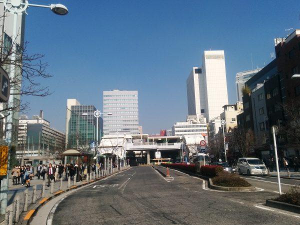 開発計画が進むオフィスと学生の街「田町」
