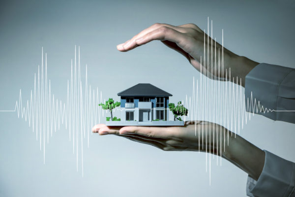 急増する災害への備えは大丈夫?投資家と損害保険